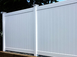 Vinyl Fencing Comes In Many Diffe Colors Such As White Grey Tan Or Wood Grain Picket Fences And Privacy Don T Need Painting
